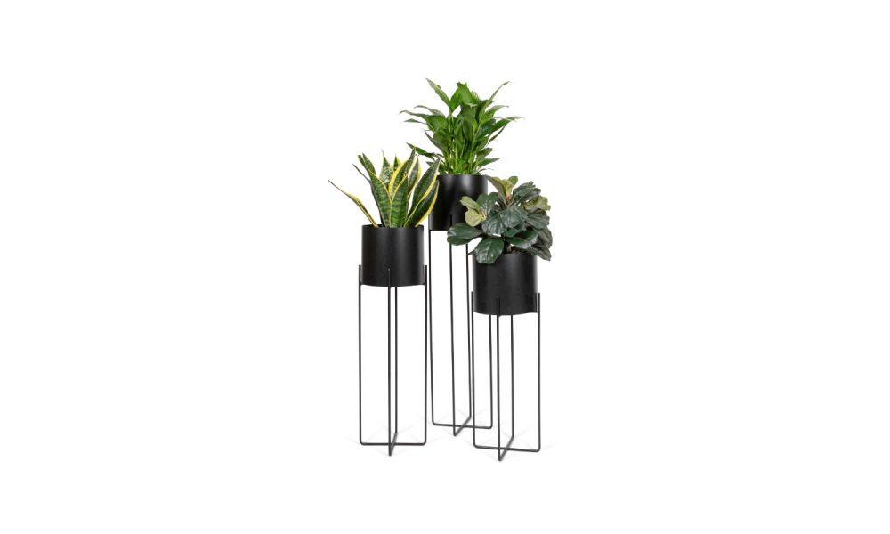 round planter in black